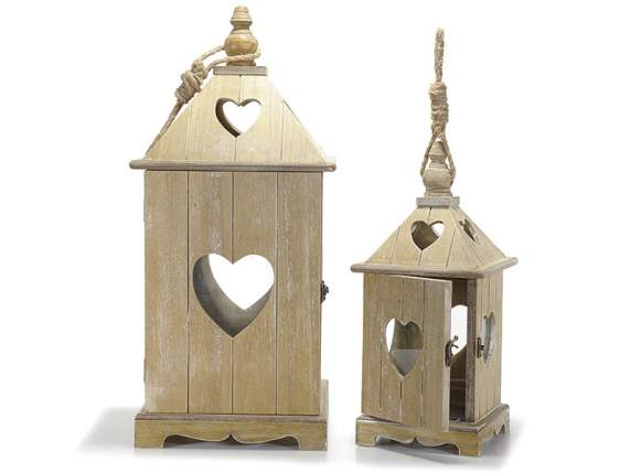 Set 2 lanterne in legno con intaglio cuore semilandia for Lanterne in legno