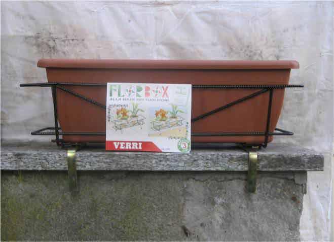 Fioriera da muretto tondino acciaio semilandia - Porta fioriere da balcone ...